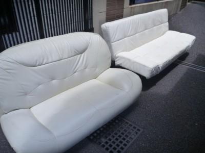 ソファーベッドと2人掛けソファー
