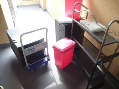 スチールラックやゴミ箱回収前