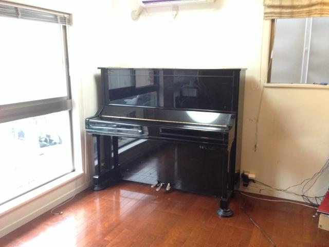 2Fに置いてあるピアノ