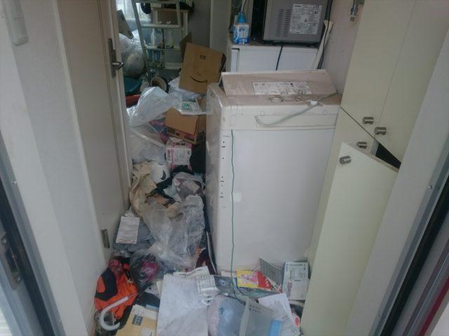 ゴミ屋敷 入口