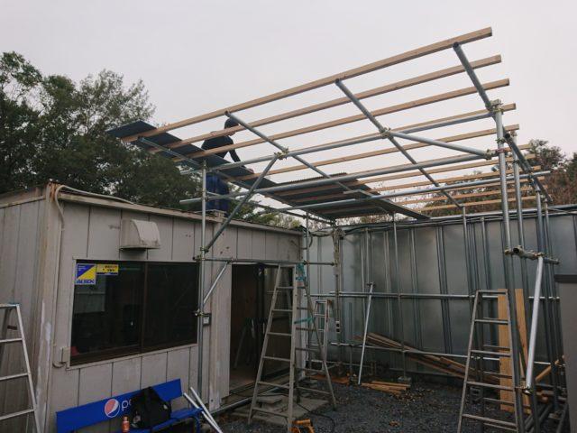 単管パイプの屋根